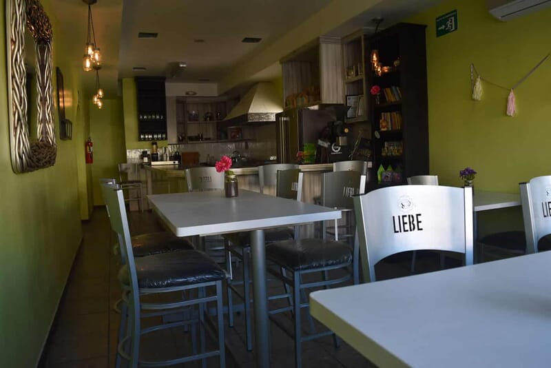 Liebe-cafe-local-2